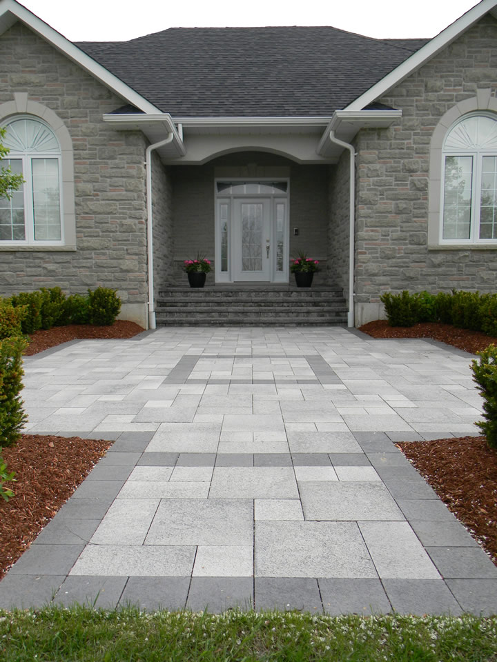 Umbriano entrance with charcoal accent
