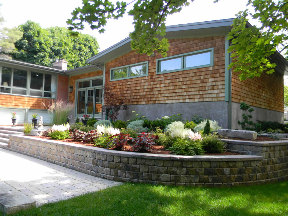 Tiered wall garden