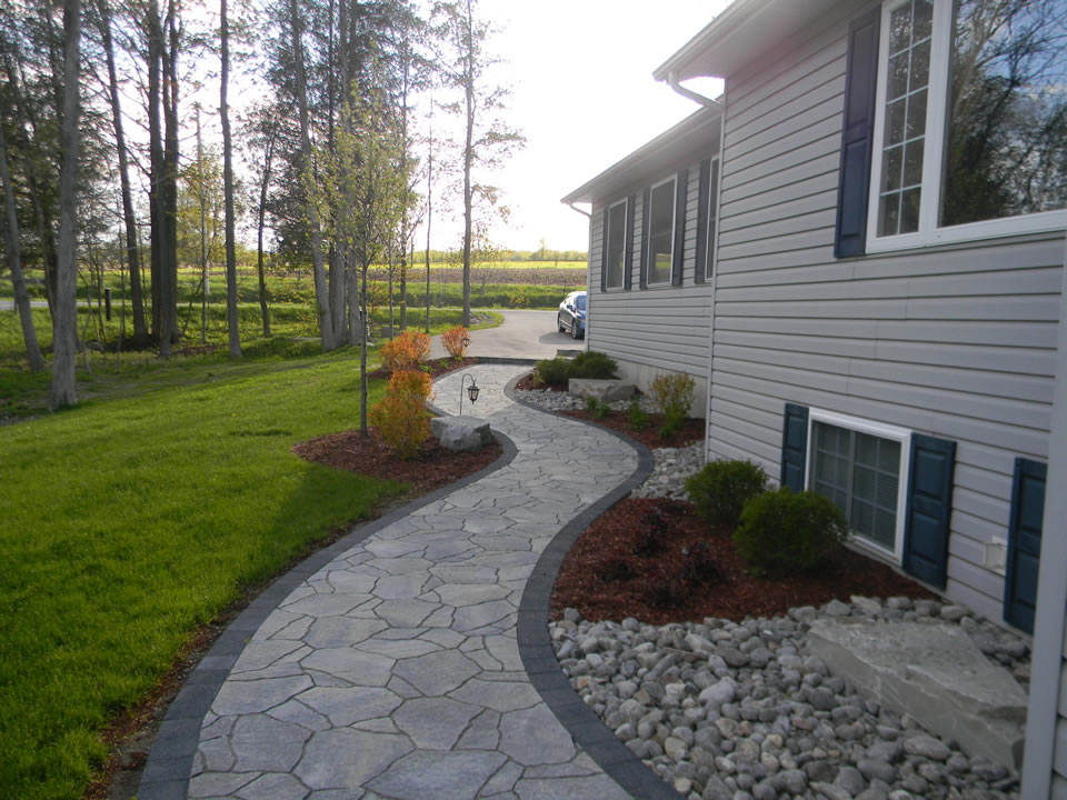 Mega Arbel flagstone winding walkway