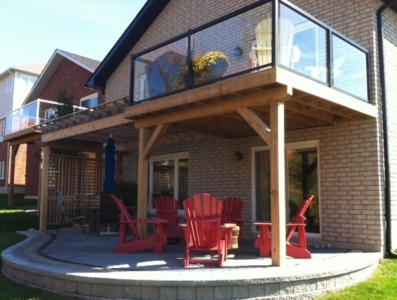 Raised Patio with Cedar Privacy Screen