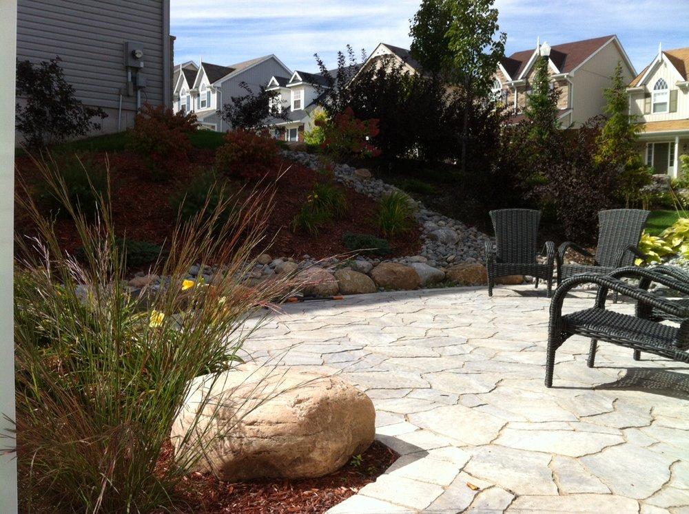 Mega Arbel patio with garden
